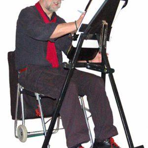 champol-caricaturiste-tenue